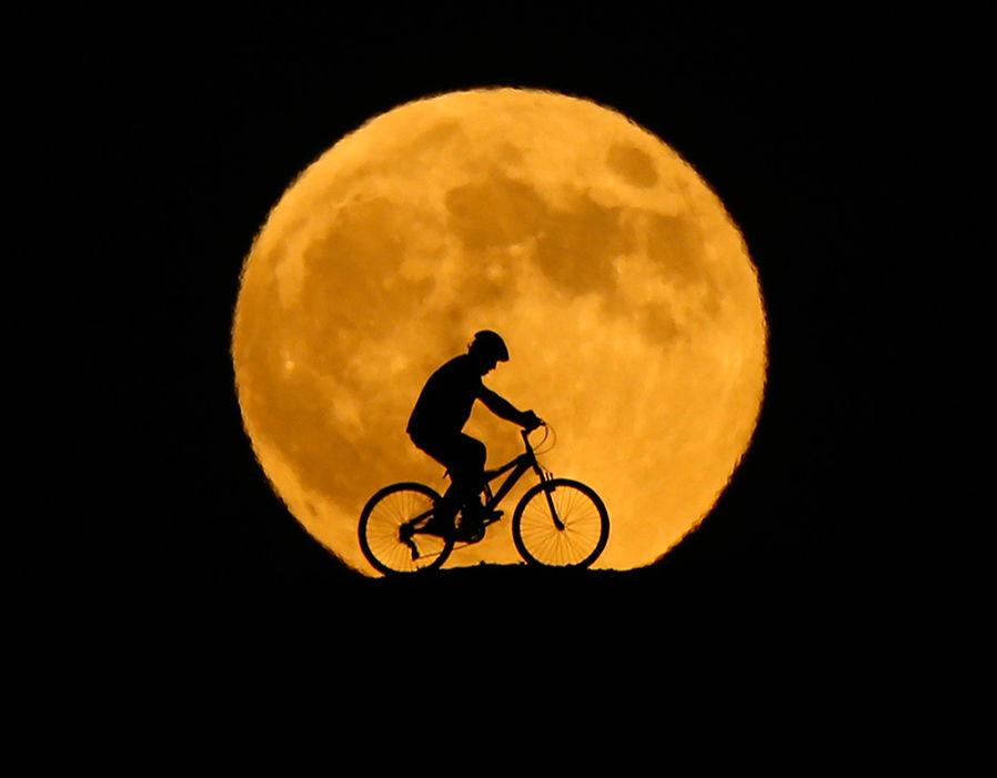 Луна 2018: фото лунного затмения 27 июля 2018 года