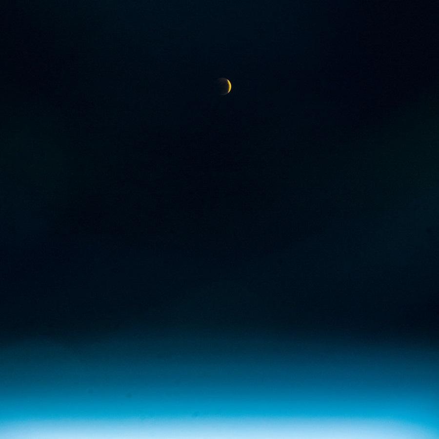 Лунное затмение 2018 фото с орбиты